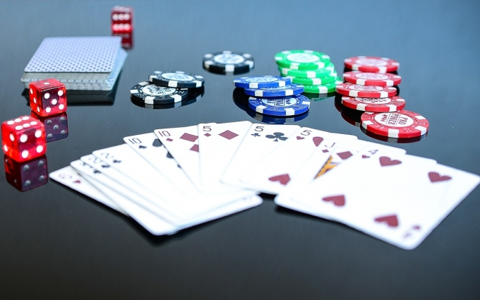 What are side bets in poker, blackjack, etc.?
