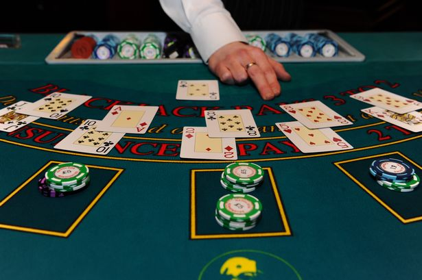 Amateurs Online Casino However Overlook Just A Few Easy Issues